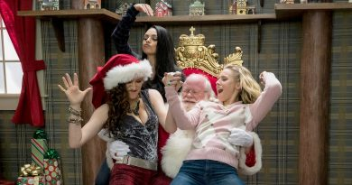 A-Bad-Moms-Christmas-Soundtrack